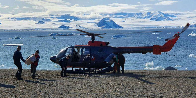 Výsadek všech devíti členů expedice se uskutečnil pomocí dvou chilských vrtulníků na vzdálenost 80 kilometrů.
