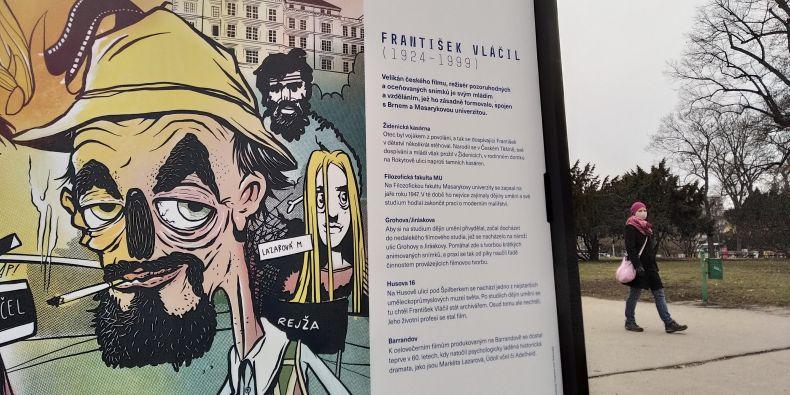 Výstava osobností MU na Moravském náměstí v Brně.