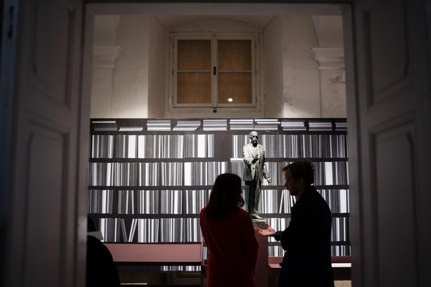 Součástí výstavy je jedinečná kolekce bust asoch Tomáše Garrigua Masaryka.