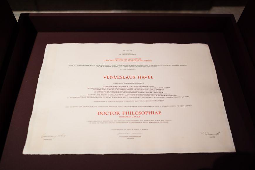 Kvidění bude například zřizovací listina Masarykovy univerzity nebo čestné doktoráty Leoše Janáčka či Václava Havla.
