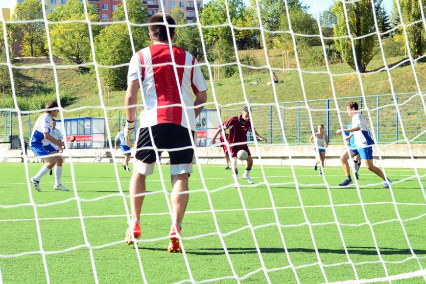 Zpřátelského utkání českých aslovenských studentů nakonec vítězně vyšli Češi. Vyhráli 2:1. Foto: Martin Kopáček.