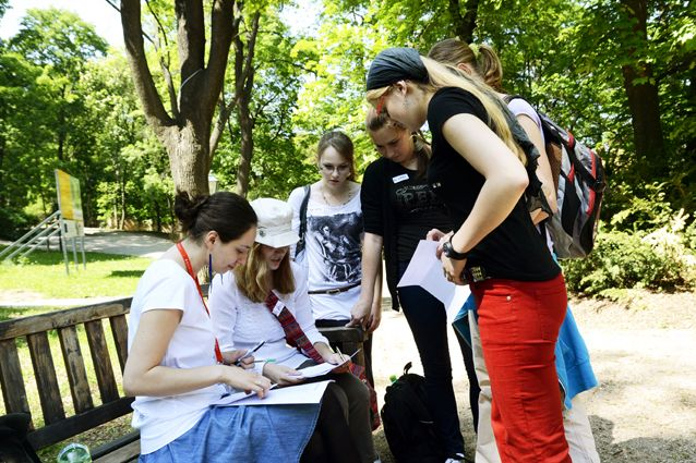 Jedním zúkolů bylo na mapě vyznačit, které země jsou zapojené do programu Erasmus, nebo se včasovém limitu zorientovat ve formulářích programu. Foto: David Povolný.