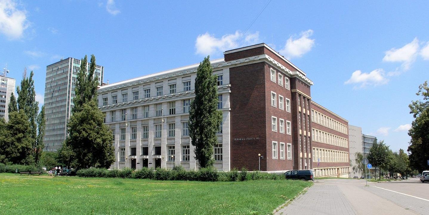Foto: Menza a dvě velké posluchárny na právnické fakultě zůstanou zavřené