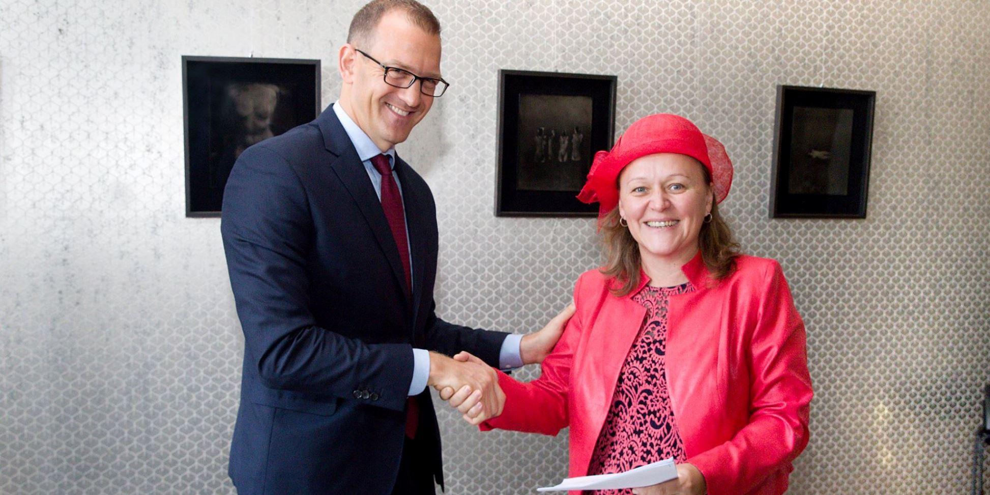 Foto: Právnická fakulta a holding EPH uzavřeli smlouvu o spolupráci