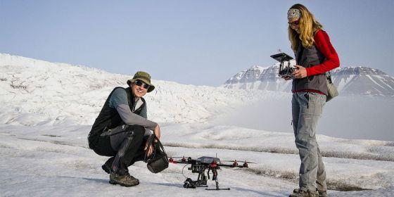 Na setkání se diskutovat o návrhu zákona o provozu dronů v Antarktidě. Výzkumníci drony potřebují například k monitorování rozlohy ledovců, oblastí s vegetací či kolonií živočichů.