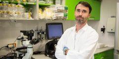 Michal Šmída se v Ceitecu Masarykovy univerzity zabývá hledáním nových možností léčby nádorových onemocnění a metodu využívá.