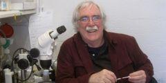 Americký biolog a držitel Nobelovy ceny Eric Wieschaus bude na Masarykově univerzitě přednášet 4. října.