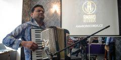Začátkem dubna otevřelo v ulici Milady Horákové studio Amaro records.