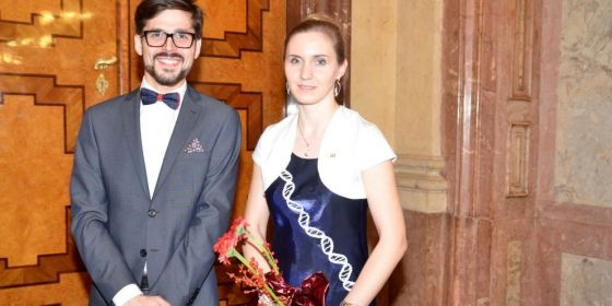Cenu si přišli osobně převzít Jaromír Gumulec a Hana Sedláčková.