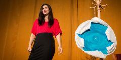 Astrofyzička Lenka Zychová nakonec se svým vystoupením o tom, jak se rodí hvězdy, Science Slam vyhrála.